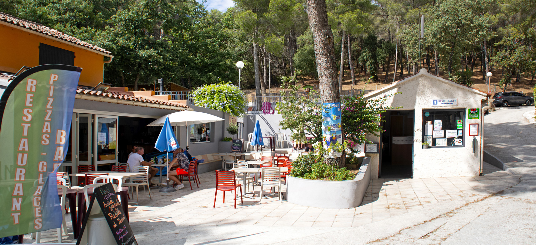 Camping Les Playes : Bar Reception Services